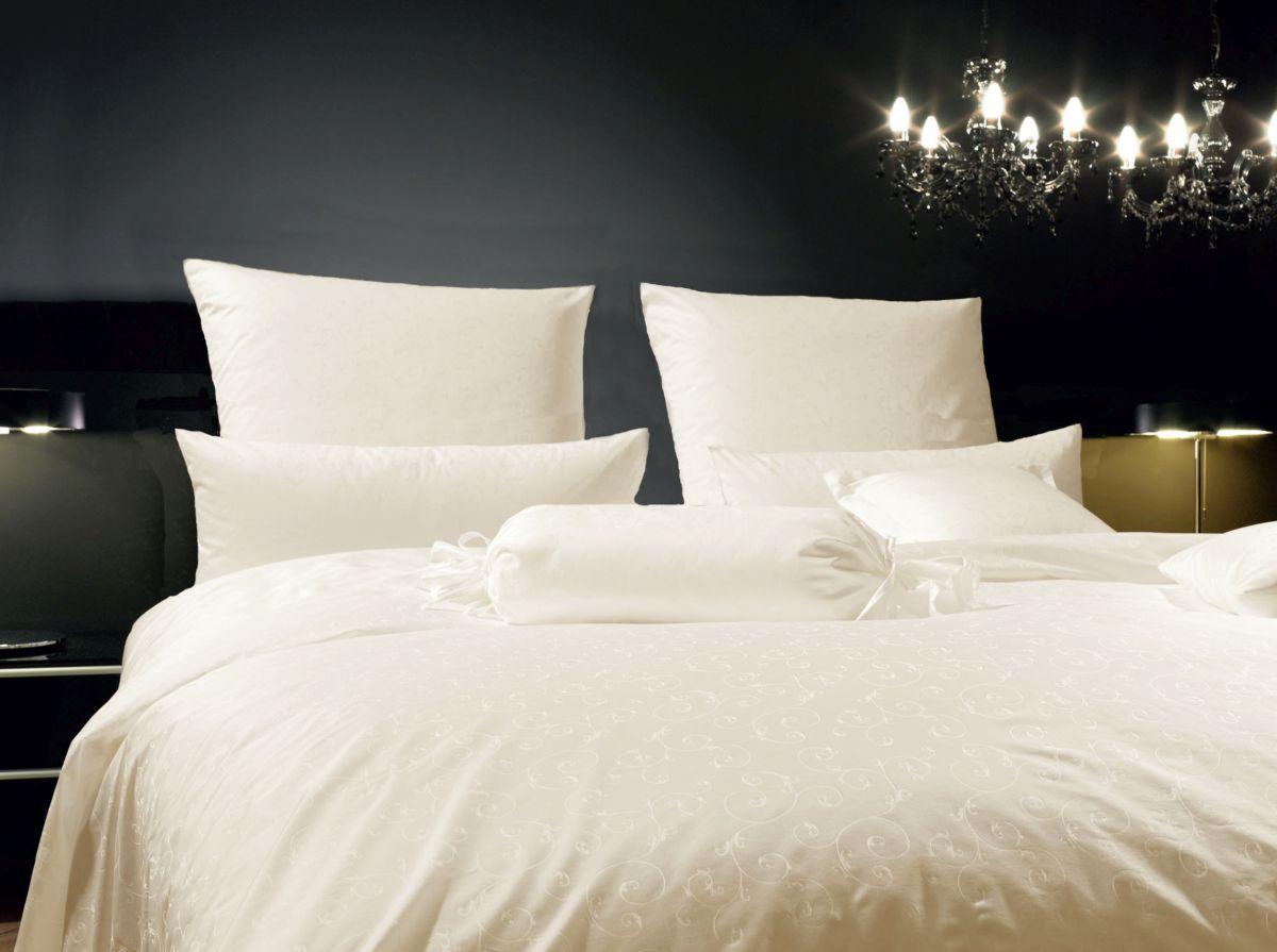 hochwertige tapeten und stoffe mako brokat damast bettw sche rubin 1321 17 decowunder. Black Bedroom Furniture Sets. Home Design Ideas